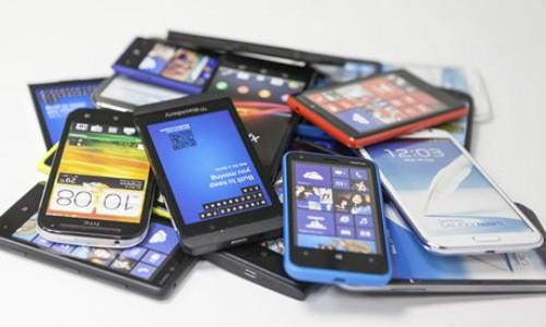 Pile-of-smart-phones-009-5172-1407725557