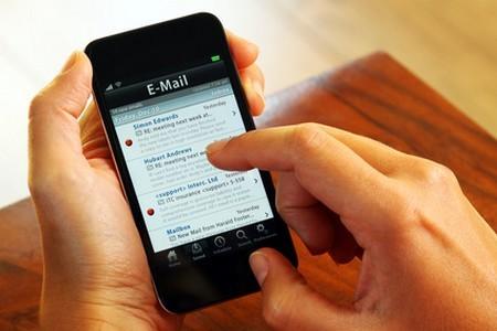 Viết email rõ ràng và có khoảng cách để giúp người nhận dễ đọc hơn, ngay cả trên smartphone