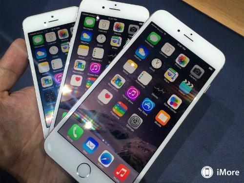 Với màn hình lớn, iPhone 6 và 6 Plus gây nhiều chú ý hơn so với iPhone 5S năm ngoái.