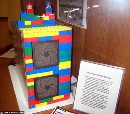 Chiếc máy chủ bằng Lego do 2 nhà đồng sáng lập Google lắp ráp