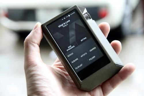 ... nhưng tất cả chỉ giúp cho thiết bị này xử lý âm thanh một cách tốt nhất và đáp ứng việc chơi nhạc kỹ thuật số chất lượng cao.