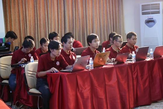 Đội phòng thủ áo đỏ