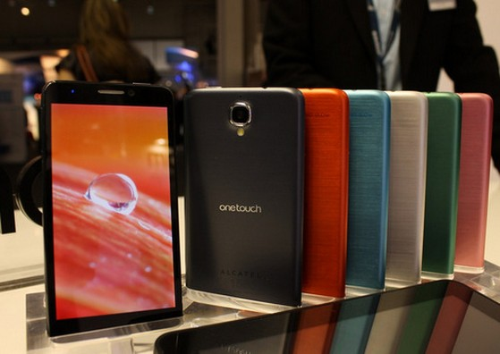 Đặc biệt, mới đây hãng điện thoại Alcatel lại tiếp tục ra mắt smartphone Idol X+. Đây được coi là phiên bản nâng cấp của smartphone Idol X với nhiều đặc điểm khá ấn tượng về cấu hình bao gồm vi xử lý 8 lõi MT6592 cho tốc độ 2GHz, cùng 2 GB RAM và màn hình IPS 5 inch độ phân giải Full HD. Ngoài ra, dung lượng pin cũng được gia tăng từ 2.000 mAh lên 2.500 mAh. Tuy nhiên, camera của phablet này vẫn được giữ nguyên ở độ phân giải 13 megapixel.
