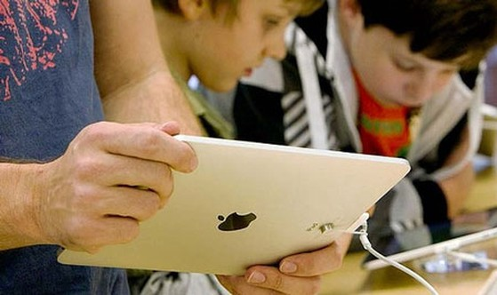 Vấn nạn mua bán trong ứng dụng khiến nhiều cha mẹ học sinh đau đầu.