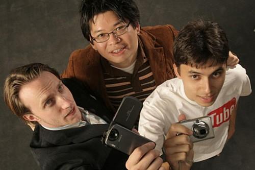 Chad Hurley, Steve Chen và Jawed Karim cho ra đời YouTube năm 2005.