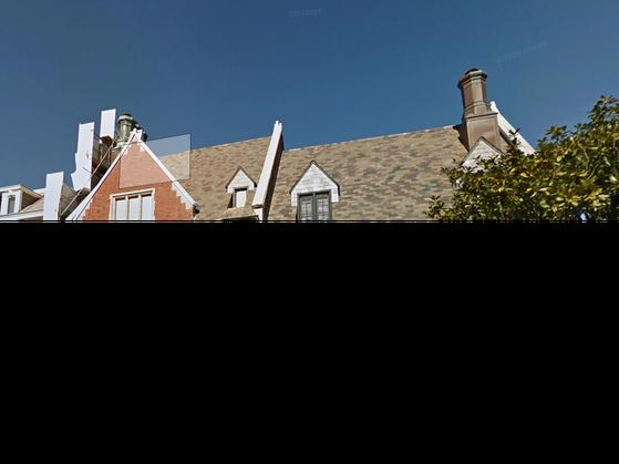 Ive hiện đang sống ở San Francisco và đi làm hàng ngày tại đại bản doanh Cupertino, California.