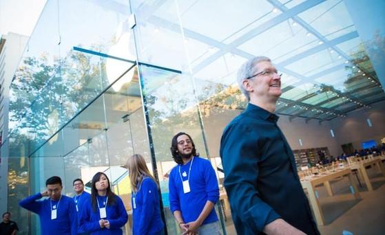 Apple đối mặt với hàng tỷ USD tiền phạt trốn thuế