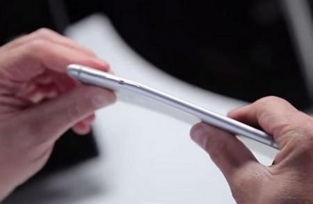Apple dường như đã cảm thấy tức giận vì iPhone 6 Plus liên tục bị đem ra thử nghiệm bẻ cong