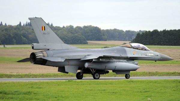 Một chiếc F-16 tại căn cứ không quân Florennes ở Bỉ. Ảnh: REUTERS