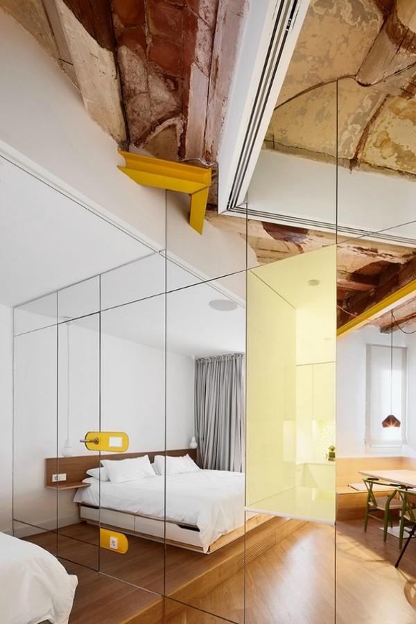 Được thay cửa và tường bằng gương, căn nhà cũ thay đổi không ngờ - 6