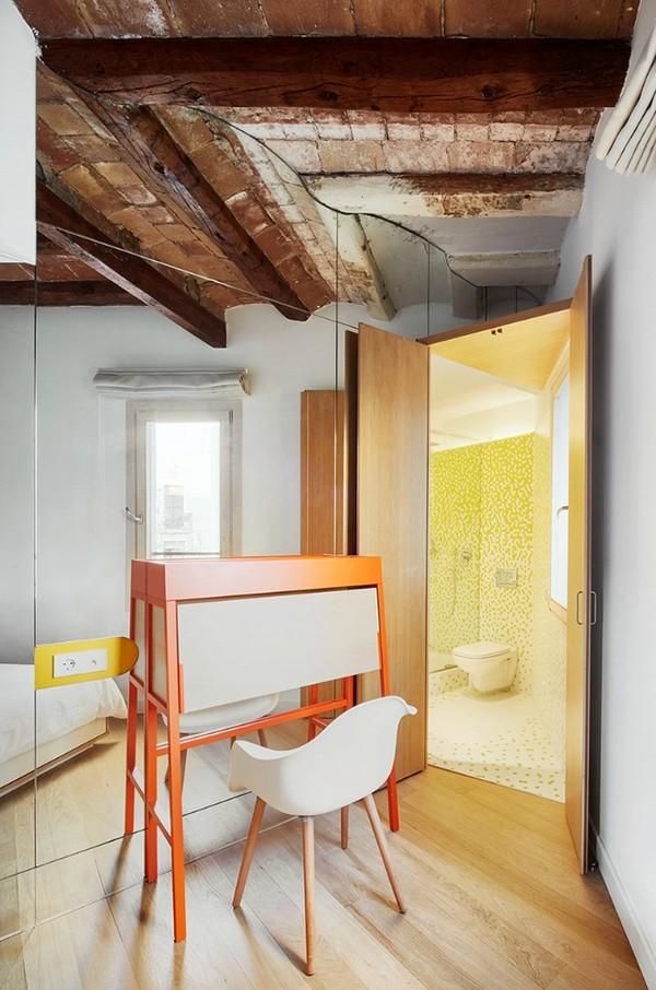 Được thay cửa và tường bằng gương, căn nhà cũ thay đổi không ngờ - 9