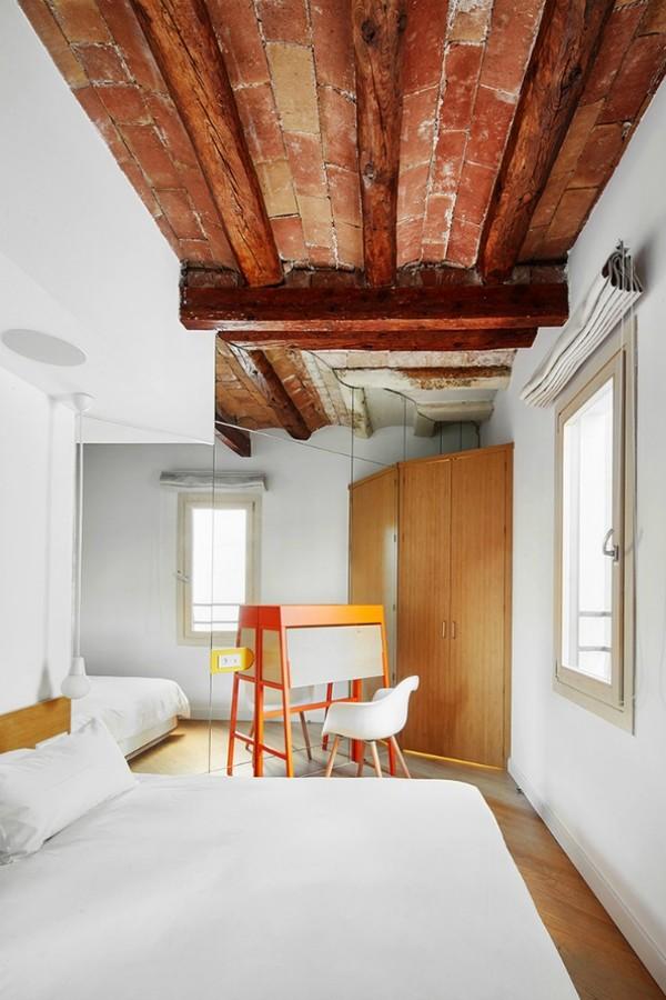 Được thay cửa và tường bằng gương, căn nhà cũ thay đổi không ngờ - 8
