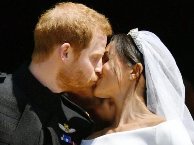 Những khoảnh khắc lộng lẫy trong đám cưới Hoàng gia Anh