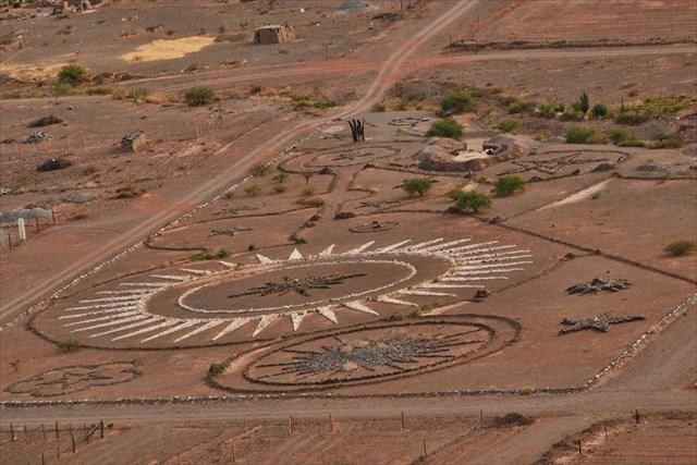 Theo lệnh người ngoài hành tinh xây bãi đáp UFO