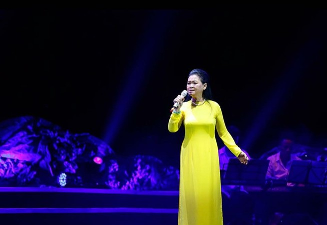 Ca sĩ Khánh Ly chuẩn bị về nước làm liveshow