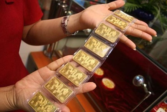Giá vàng miếng vượt mốc 37 triệu đồng/lượng