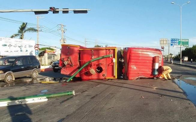 Xe cứu hỏa gây tai nạn liên hoàn trên quốc lộ