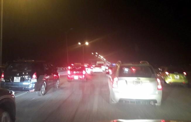 Hàng chục ngàn ôtô ùn tắc trên cao tốc Pháp Vân-Cầu Giẽ