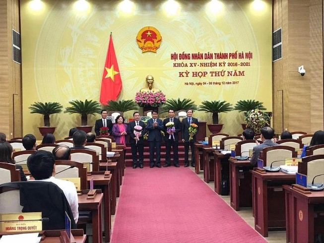 Miễn nhiệm đại biểu HĐND thứ trưởng Bộ GD&ĐT