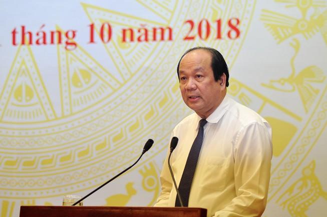 Sách giáo khoa, chợ Long Biên làm nóng cuộc họp báo Chính phủ