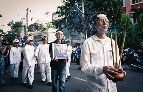 Hát tiễn nhạc sĩ Nguyễn Ánh 9