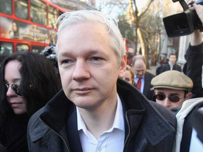 'Quyền lực ngầm' WikiLeaks đã về đội ông Trump?