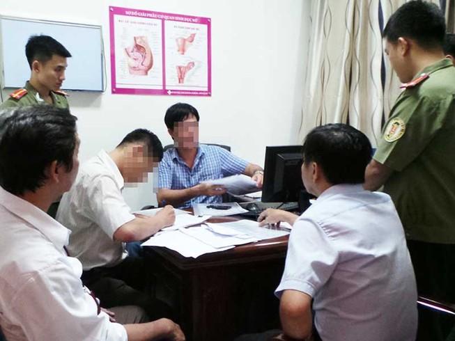 Phòng khám Trung Quốc chuyên 'hù' và 'vẽ' bệnh