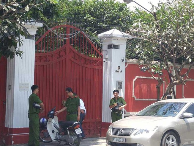 Khởi tố bà Hứa Thị Phấn, khám nhà và nơi làm việc