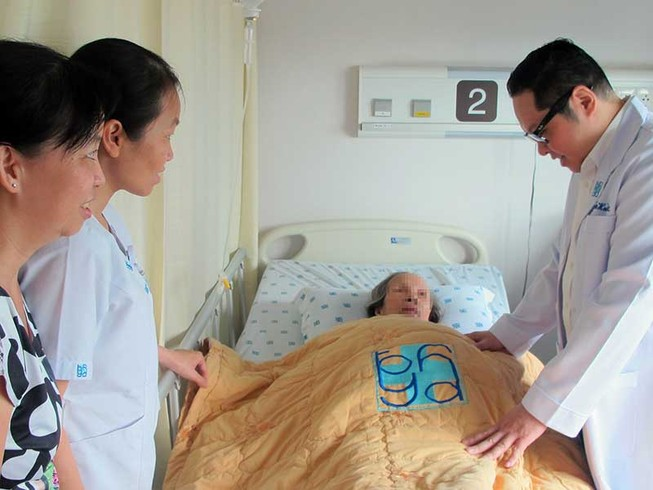 Do chủ quan, người già vô tình nuôi bệnh tật