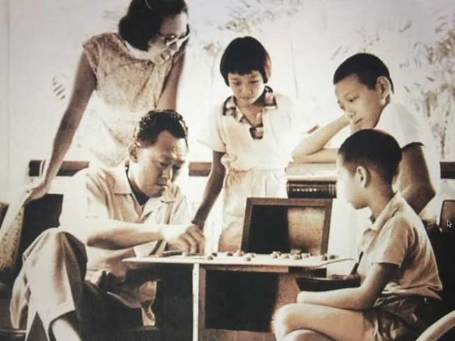 Sóng gió hậu duệ gia đình Lý Quang Diệu