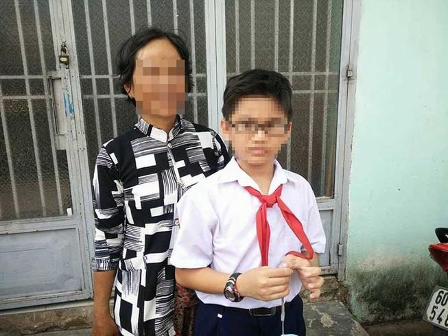 10 năm không được nhận cha vì mẹ bỏ đi