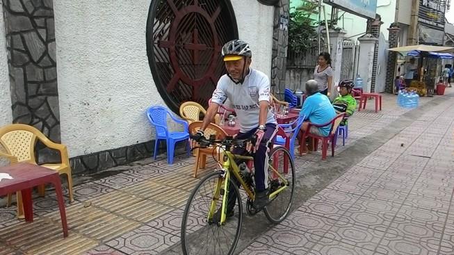 91 tuổi đạp xe khắp đất nước