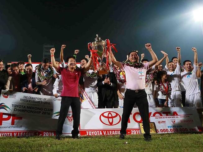 Vòng 20 V-League: Cờ nằm trong tay bầu Hiển