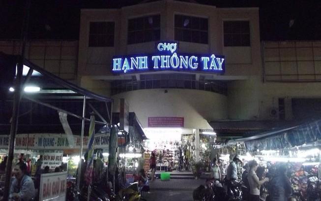 Vấn nạn móc túi ở chợ Hạnh Thông Tây