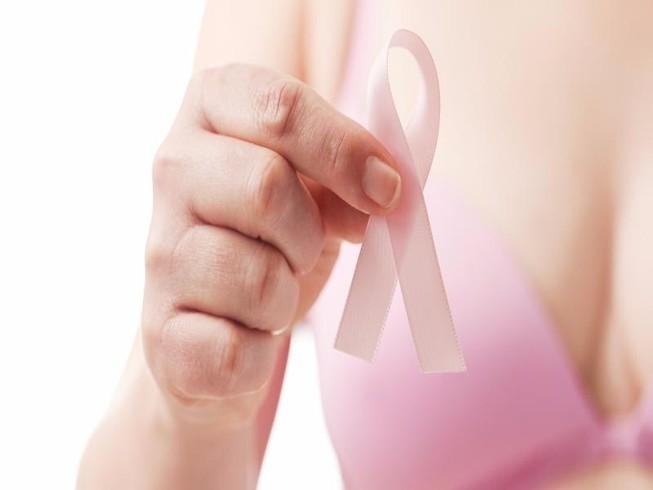 Phát động chiến dịch tầm soát ung thư vú