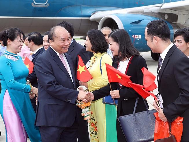 Thủ tướng bắt đầu chương trình dự hội nghị ACMECS 8 và CLMV 9