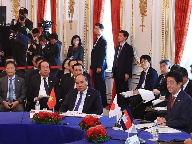 Lãnh đạo các nước thảo luận về vấn đề biển Đông