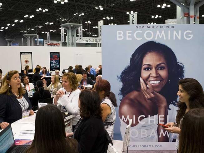 Bí kíp để bà Obama viết sách hốt vài chục triệu đô