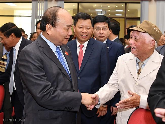 Thủ tướng Nguyễn Xuân Phúc, muốn an dân, trước hết cán bộ phải làm gương, hết lòng vì dân