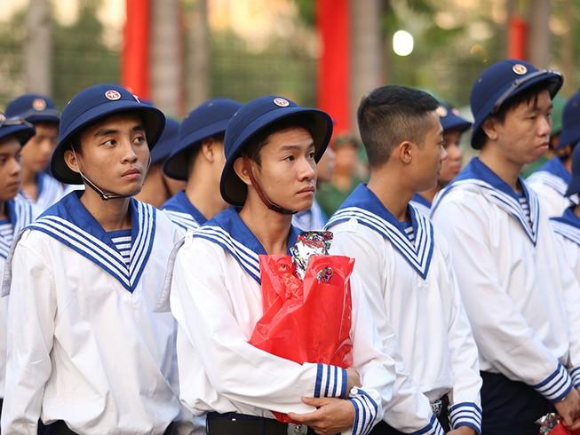 Tranh cãi việc thanh niên xăm mình không được tuyển quân