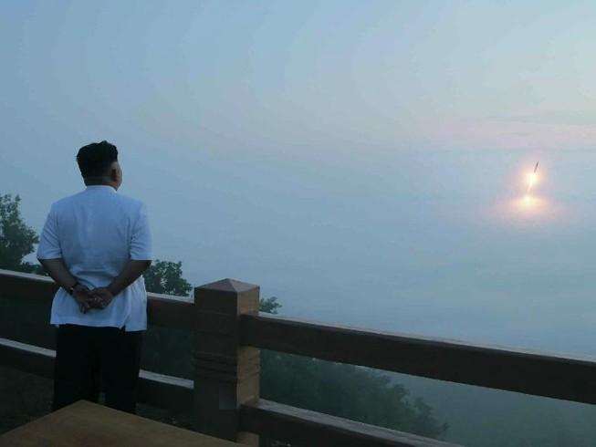 Nóng: Triều Tiên bất ngờ phóng tên lửa, nổ giữa trời