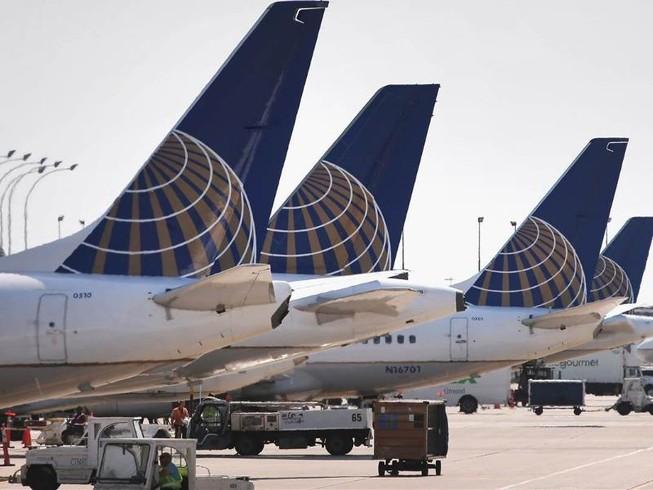 United Airlines lại dính thêm bê bối ngược đãi khách