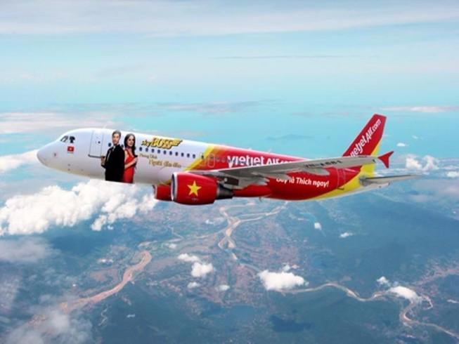 Máy bay liên tục không liên lạc được với không lưu