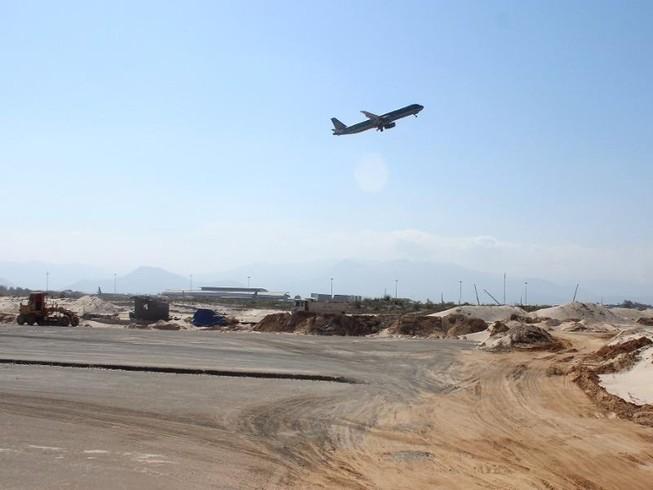 Máy bay VNA đáp nhầm đường băng: Lỗi do phi công