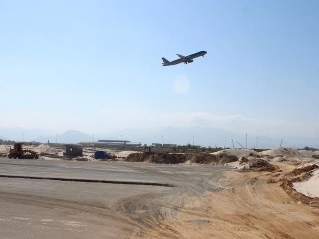 Công bố nguyên nhân máy bay đáp nhầm đường băng