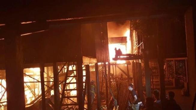 Hỗ trợ 60 gia đình người Campuchia gốc Việt bị hỏa hoạn