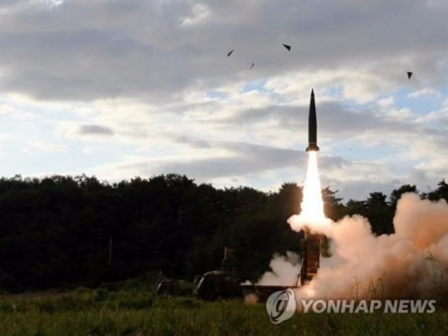 Hàn Quốc phóng 2 tên lửa đáp trả Triều Tiên