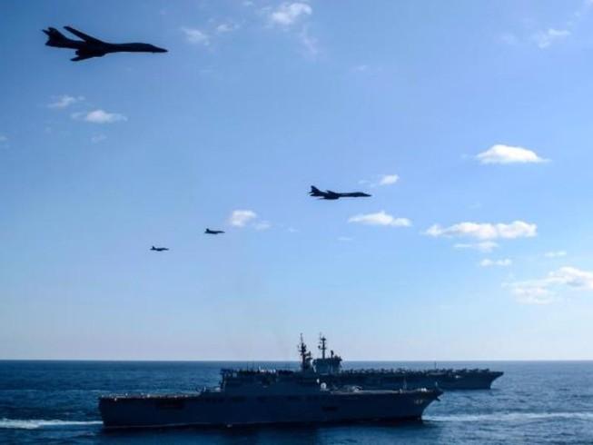 Cận cảnh tàu sân bay Mỹ tập trận gần bán đảo Triều Tiên