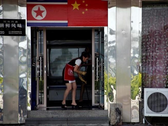 Lao động Triều Tiên lũ lượt rời biên giới Trung Quốc