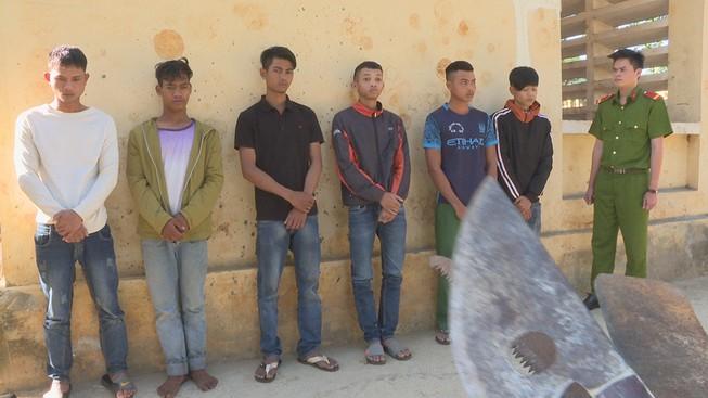 Nhóm thanh niên bao vây, tấn công 3 công an bị thương